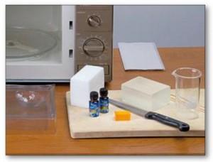 Fabriquer des savons parfumés Lien vers afairesoimeme.com