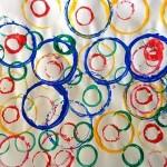 Empreintes de cercles de différentes tailles et couleurs