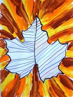 Graphisme dans une empreinte de feuille + lignes obliques à la peinture, arbre arts plastiques maternelle