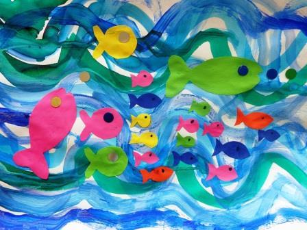 Vagues à la peinture + poissons collés