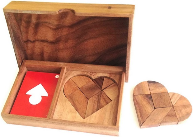 Casse-tête géométrique en bois Tangram coeur