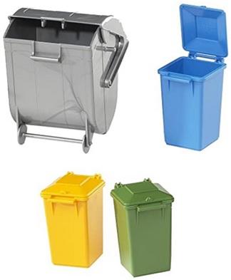 Assortiment de poubelles miniatures pour apprendre à recycler