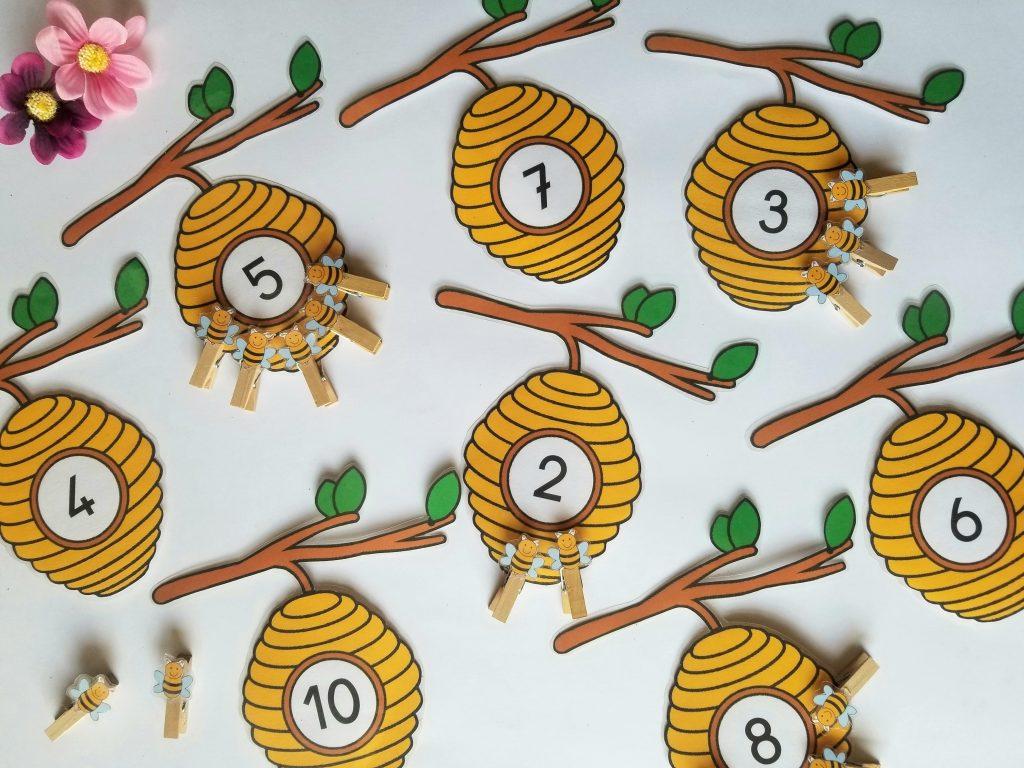 """Jeu de numération """"Accrocher le nombre d'abeilles indiqué sur la ruche"""" Jeu numération abeilles"""